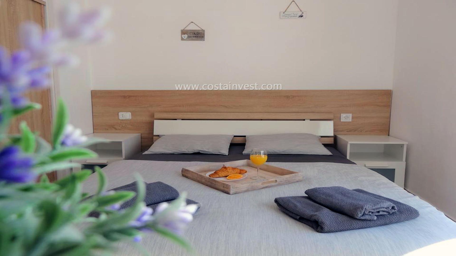 бунгало -                                       Torrevieja -                                       1 спальни -                                       4 человека