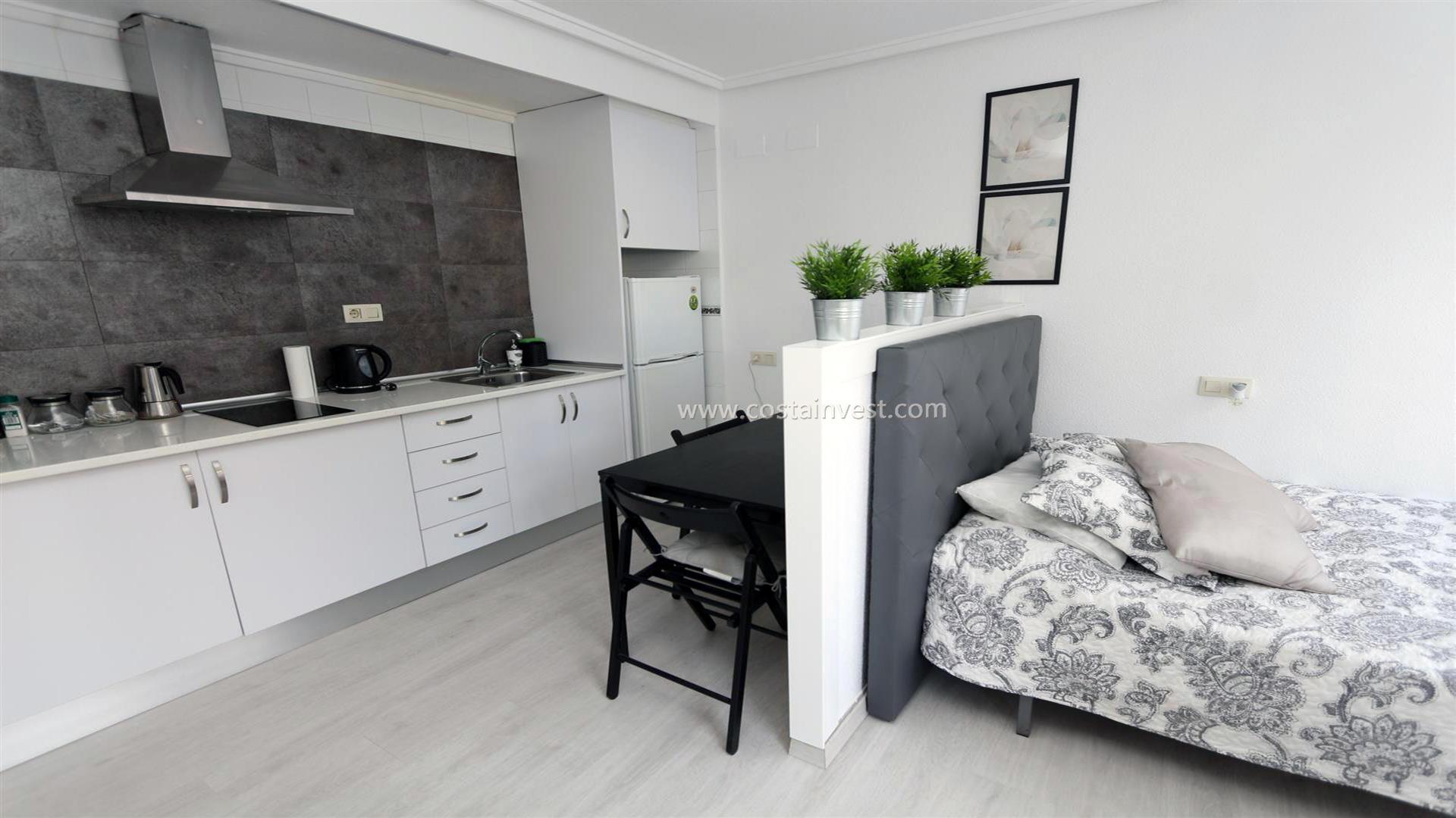 однокомнатная квартира -                                       Torrevieja -                                       0 спальни -                                       2 человека